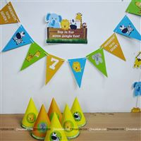 Colorful jungle party banners for your house party