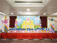 A stage setup for twins, a Little Prince & Princess with a lot of pomp and show to have a grand 1st birthday for the young ones.