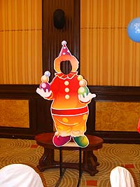 Clown with balls photobooth