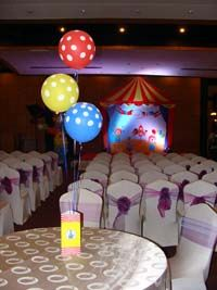Box type centerpiece (Balloons not included)