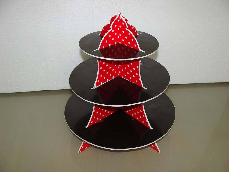 Kaala Chashma theme Cup cake stands