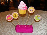 Candyland table centerpiece decoration to adorn your tables